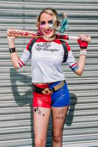 woman dressed up as suicide squad s harley quinn